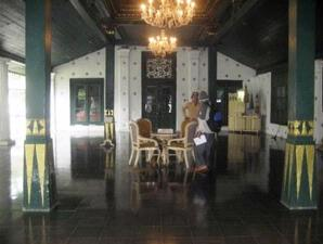 Salah satu ruang di Keraton Kasepuhan.